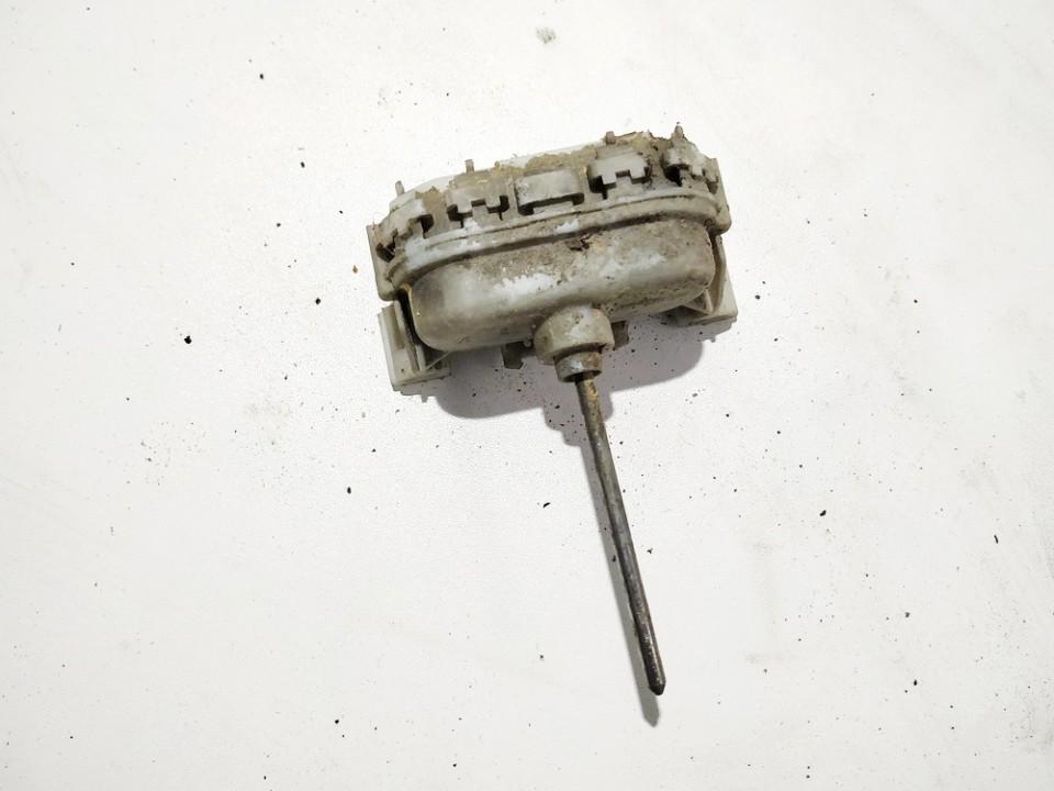 Duru uzrakto vakuumine pompele Audi A6 1997    1.9 4A0862153C