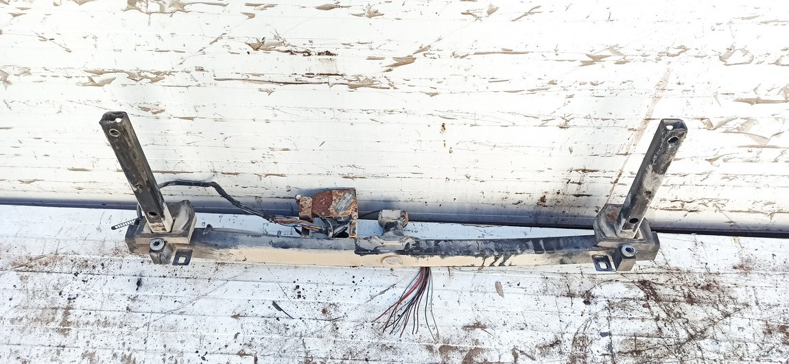 Tow bars Audi A4 1996    1.9 used