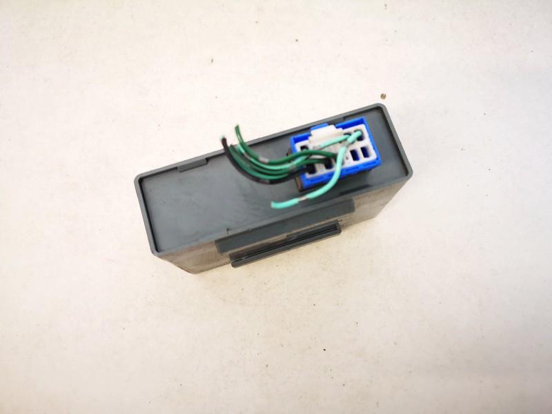 Wiper wash control (wiper relay) Honda CR-V 1998    2.0 used