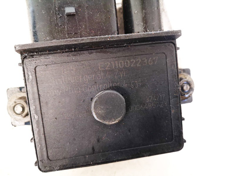 Glow plug relay BMW 3-Series 2002    2.0 E2110022367