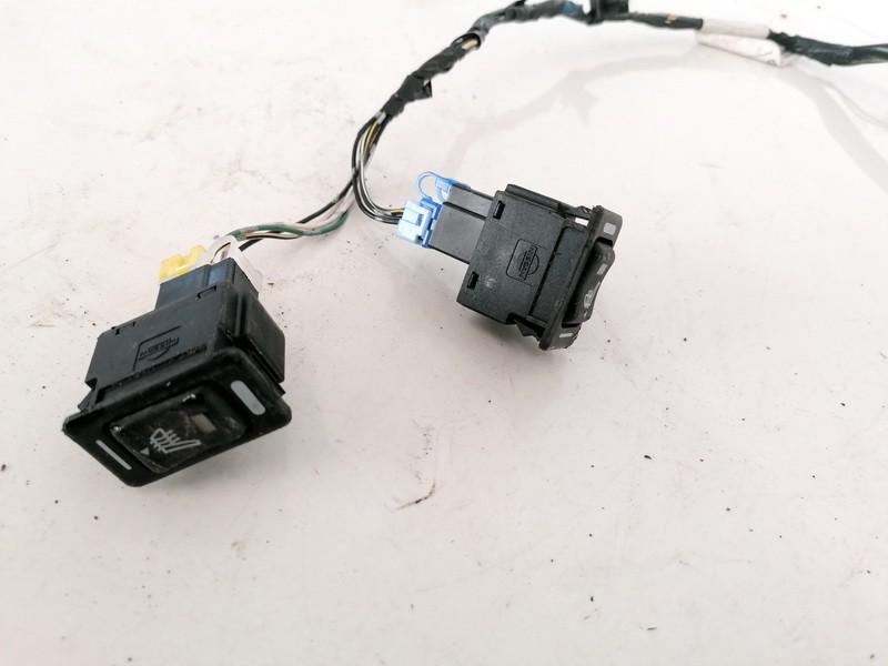 Sedyniu sildymo mygtukas Nissan Almera 2006    1.5 261247