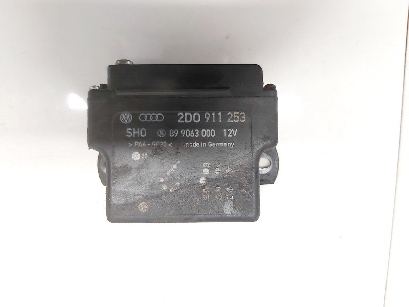 Ventiliatoriaus valdymo rele Volkswagen LT 2002    2.5 2d0911253