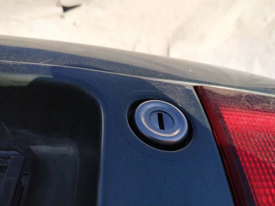Galinio dangcio atidarymo rankenele isorine  (mikrikas) Mazda 626 1997    1.8 used