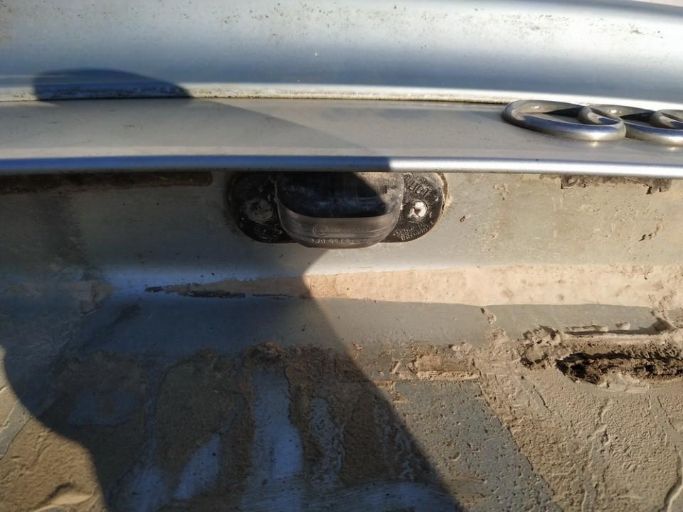 Numerio apsvietimas Audi 80 1990    1.8 uysed