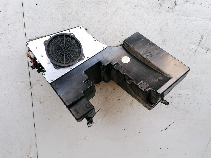Loudspeaker (Subwoofer) Audi A4 1998    1.9 8D9035381C