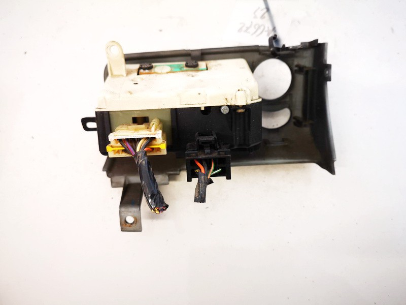 Headlight adjuster switch (Foglight Fog Light Control Switches) Chrysler Voyager 1998    2.5 04685532