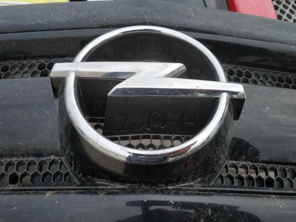 Priekinis zenkliukas (Emblema) Opel Signum 2003    2.2 used