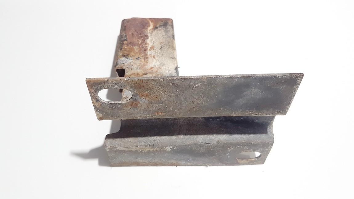 Bamperio laikiklis G.K. Audi 100 1991    2.0 used