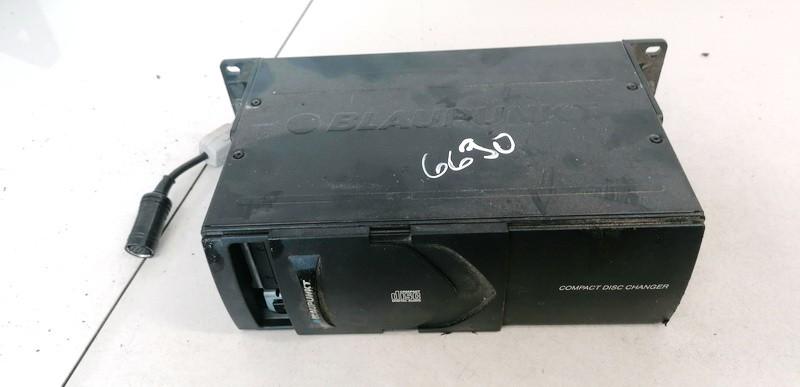 CD changers Volkswagen Passat 1999    1.8 7607700006