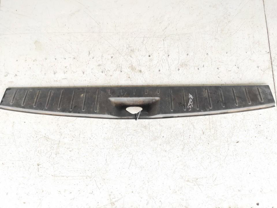 Bagazines vidine apdaila prie spynos Audi 80 1994    2.0 7m0863459e