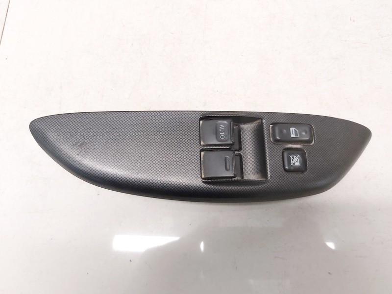 Stiklo valdymo mygtukas (lango pakeliko mygtukai) Toyota Yaris 2004    1.0 0115c42