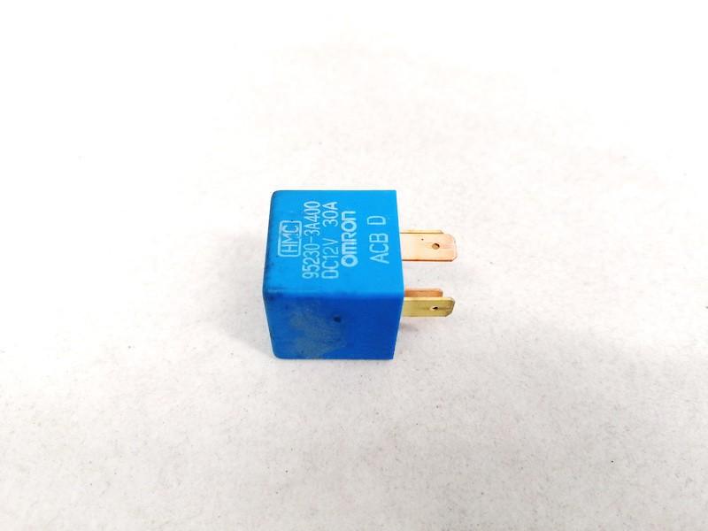 9522303A400 952230-3A400 Relay module Hyundai Getz 2005 1.3L 4EUR EIS01204568