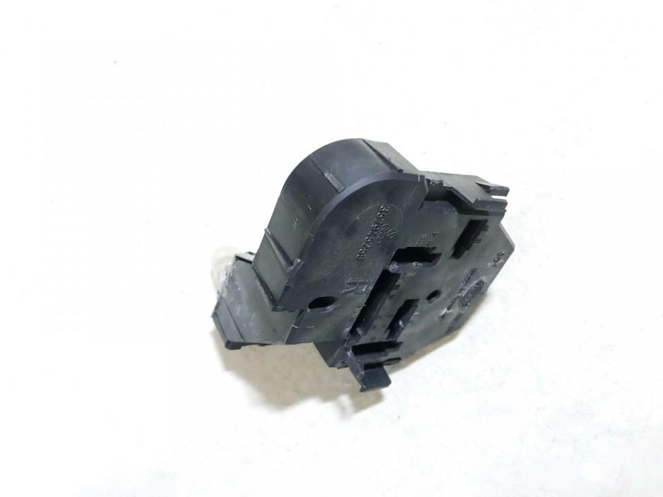 357945258 used Tailight Bulb Holder (Lamp Carrier) Volkswagen Passat 1991 1.6L 5EUR EIS01204576