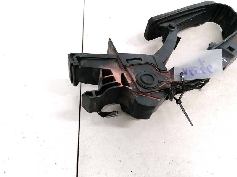 Accelerator throttle pedal (potentiometer) Mercedes-Benz C-CLASS 2002    2.2 A2033000104