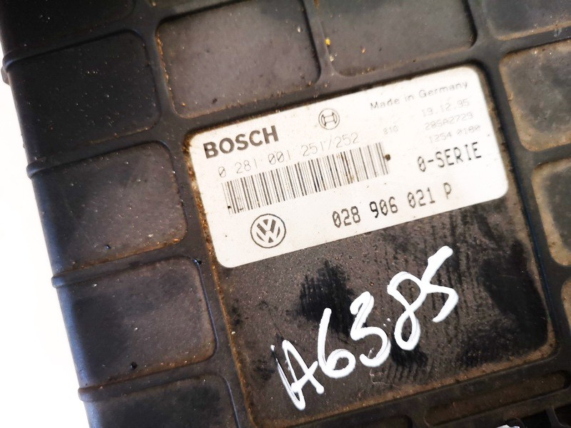 Variklio kompiuteris Volkswagen Sharan 1997    1.9 028906021p