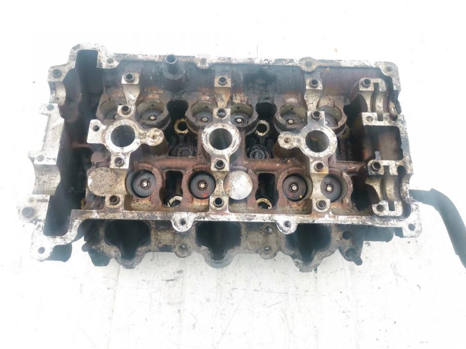 Variklio galvute Mazda 626 1992    2.5 kl101