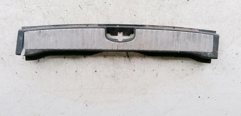 Bagazines vidine apdaila prie spynos Opel Signum 2003    2.2 13101117