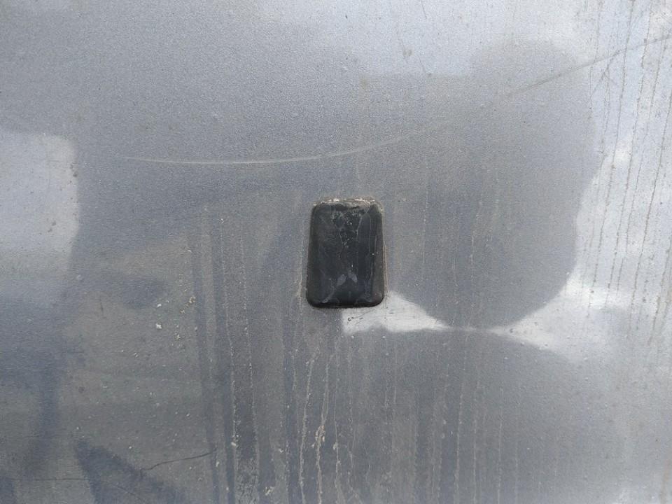 Priekinio stiklo apiplovimo purkstukas Audi 100 1993    2.5 used