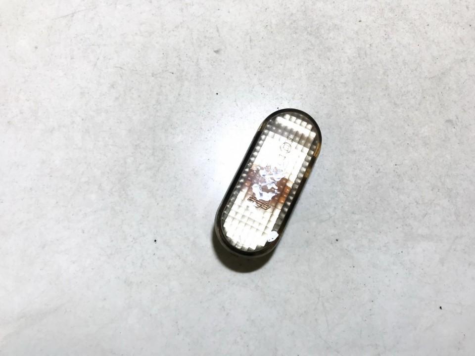 Posukis sparne P.D. Volkswagen Golf 2000    1.9 3a0949117b