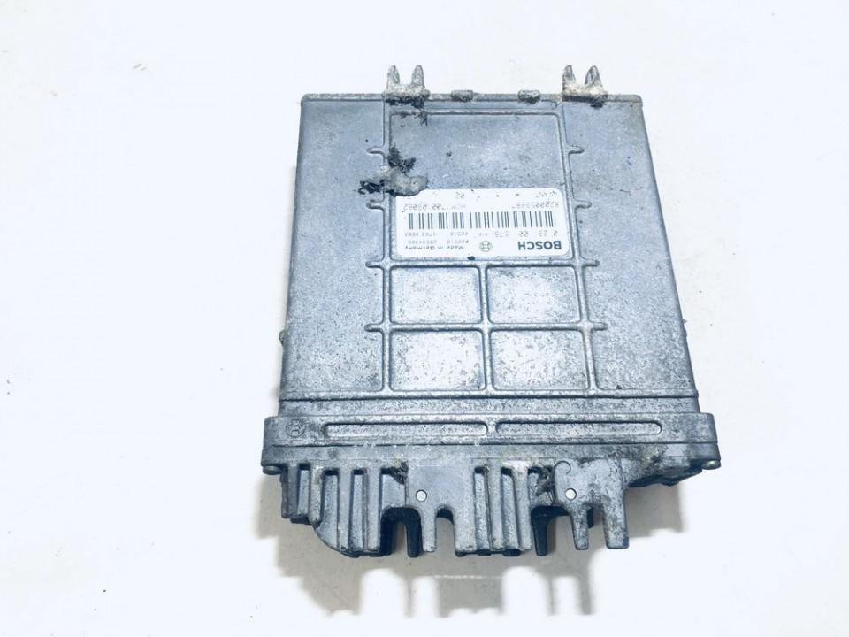 Variklio kompiuteris Renault Clio 2000    1.9 8200059887