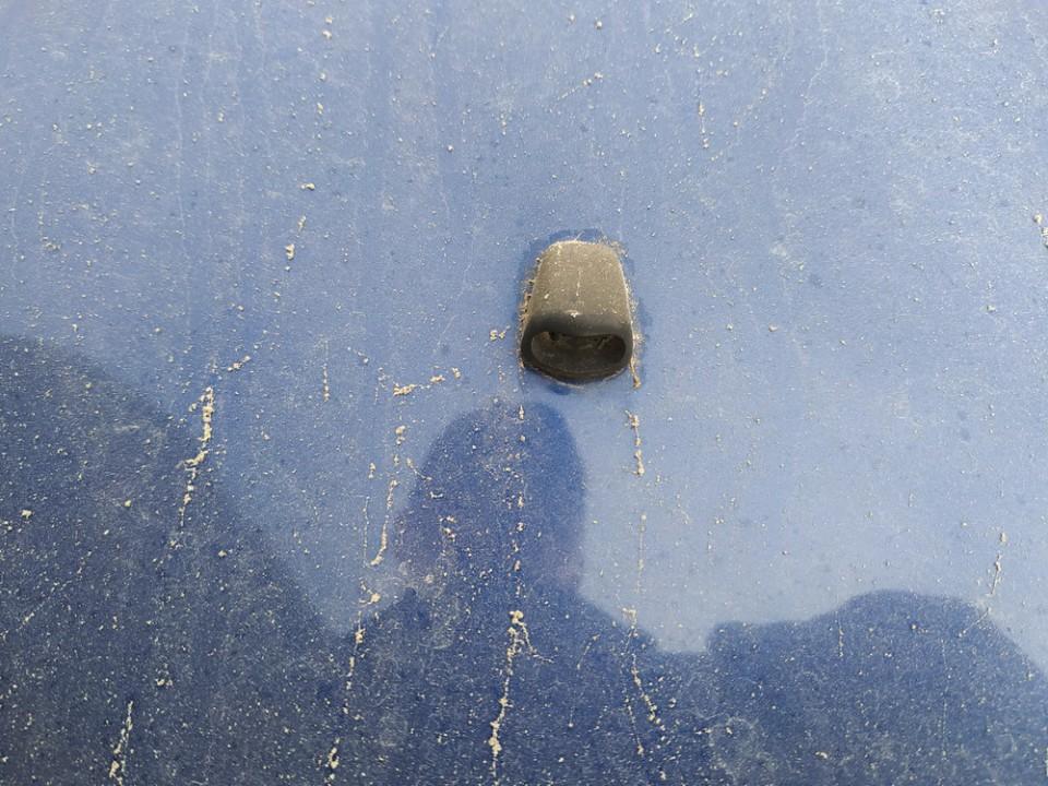 Priekinio stiklo apiplovimo purkstukas Mazda 6 2003    2.0 used