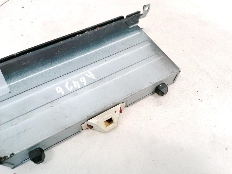 Pelenine Audi 100 1991    2.5 4A1857951
