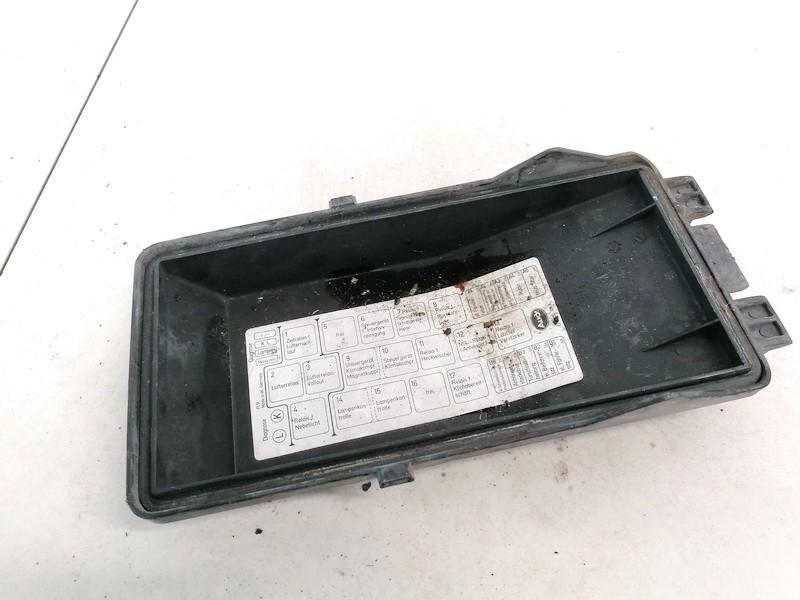 Fuse box  Audi 100 1991    2.5 4A0941801