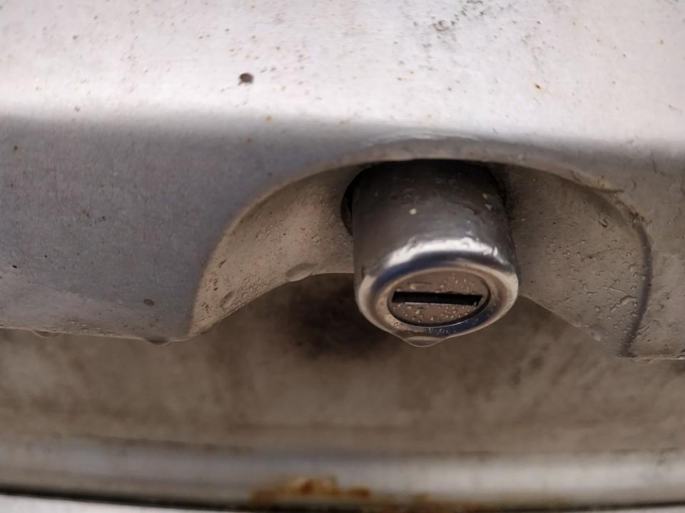 Galinio dangcio atidarymo rankenele isorine  (mikrikas) Opel Astra 1999    2.0 used