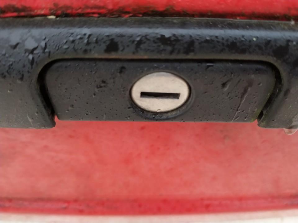 Galinio dangcio atidarymo rankenele isorine  (mikrikas) Volkswagen Golf 1992    1.9 used