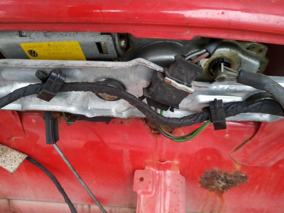Rear wiper motor (Rear Screen Wiper Engine) Volkswagen Golf 1992    1.9 used