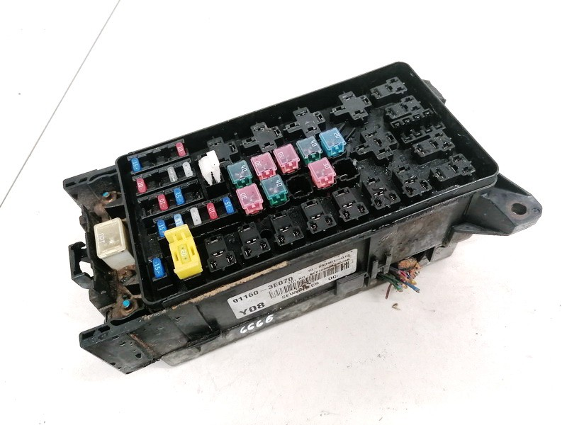 Fuse box  Kia Sorento 2002    2.5 911603E070