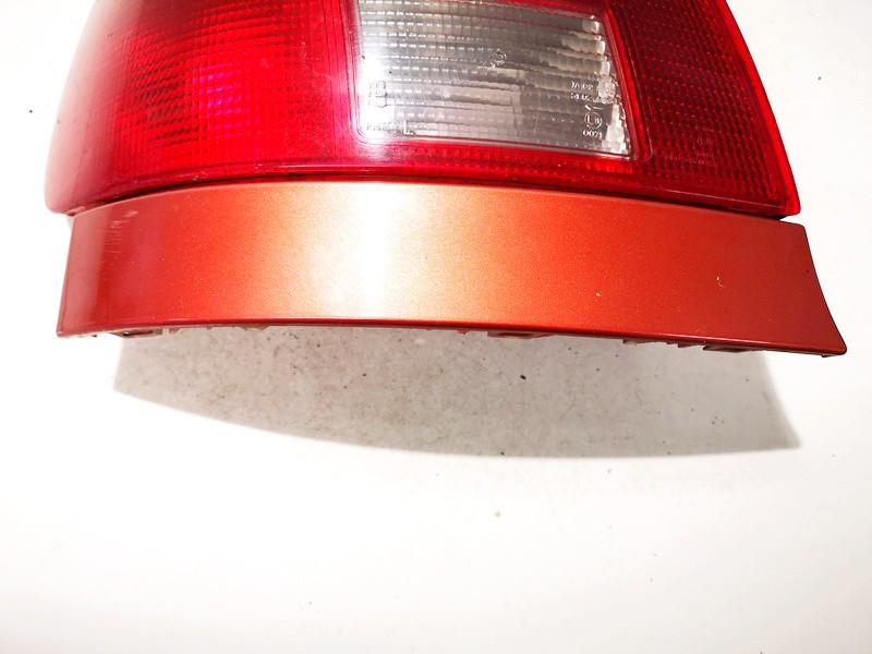 Juostele po zibintu G.K. Audi A4 1995    1.8 used
