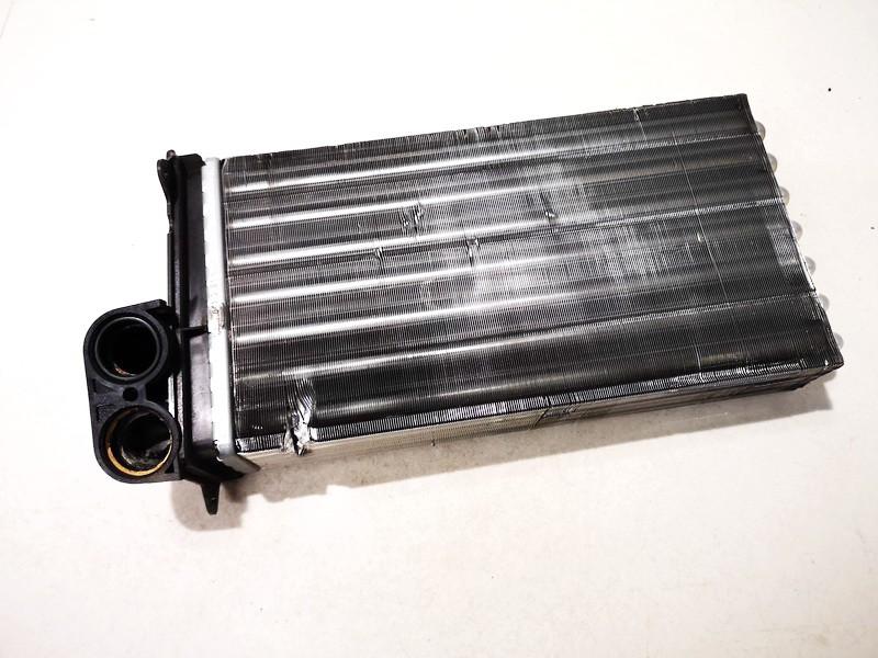 Salono peciuko radiatorius Citroen C3 2004    1.6 664443q