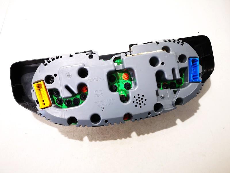 Spidometras - prietaisu skydelis Audi A4 1995    1.8 8d0919033c
