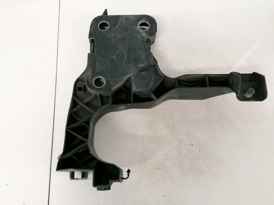 Bamperio laikiklis P.K. Renault Scenic 2004    1.5 8200137495