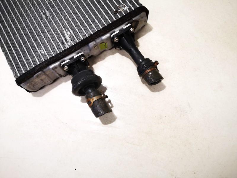 Salono peciuko radiatorius Nissan Almera Tino 2002    2.2 used