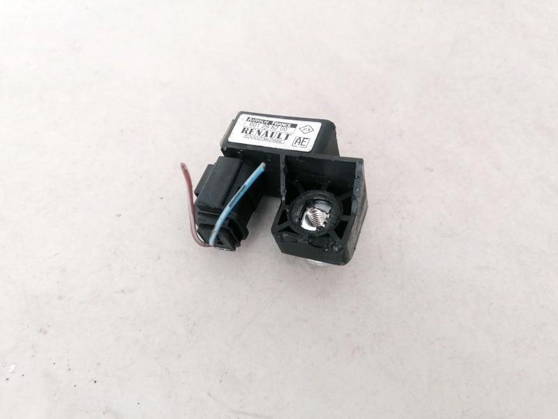 Srs Airbag crash sensor Renault Scenic 2004    2.5 8200236286C