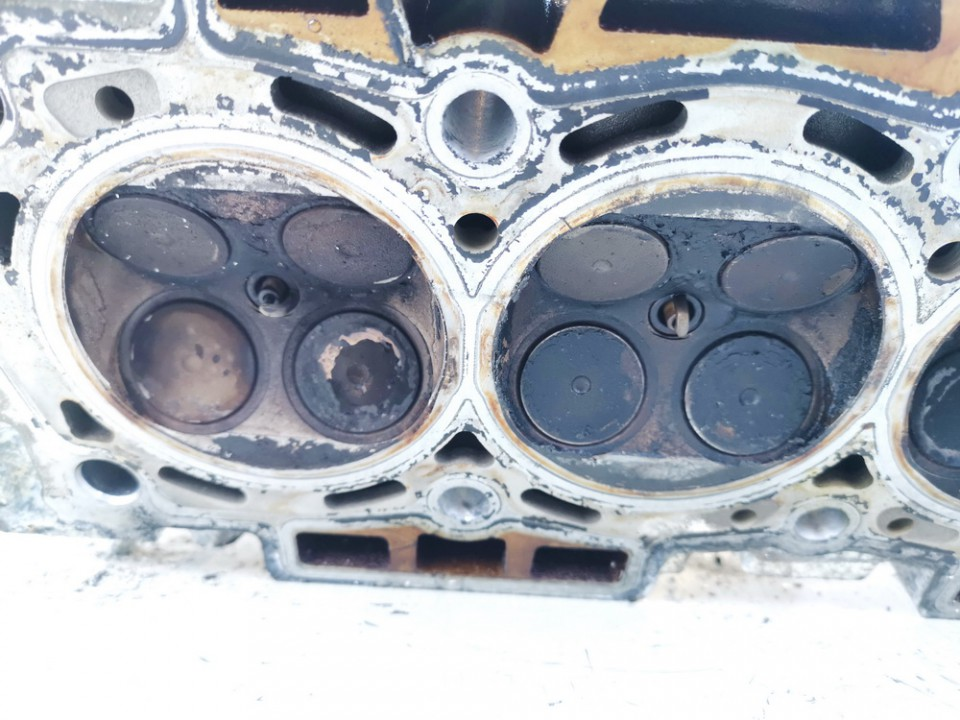 Variklio galvute Citroen C4 Picasso 2007    1.8 used
