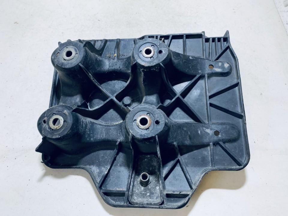 Battery Boxes - Trays Volkswagen Golf 2000    1.9 1j0804373e