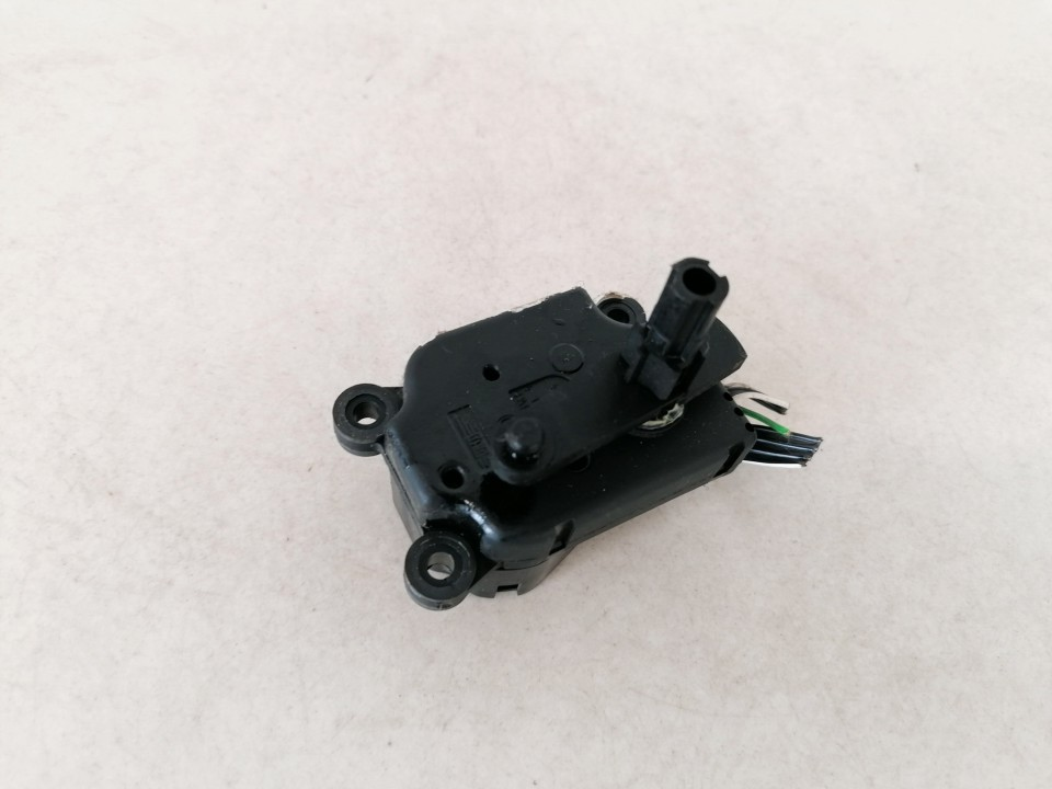Heater Vent Flap Control Actuator Motor Volvo S80 2000    2.5 42947
