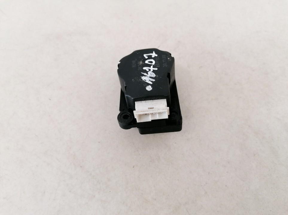 Heater Vent Flap Control Actuator Motor Volvo S80 2000    2.5 38249