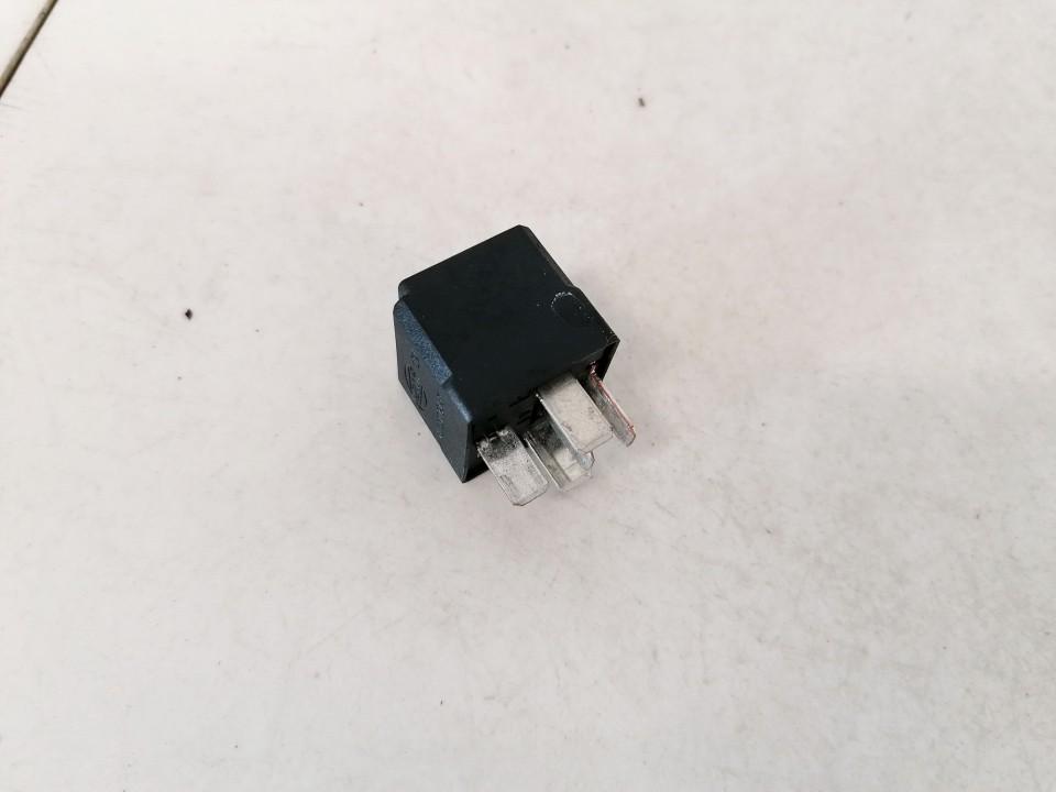 Relay module Volvo S80 2000    2.5 9441160