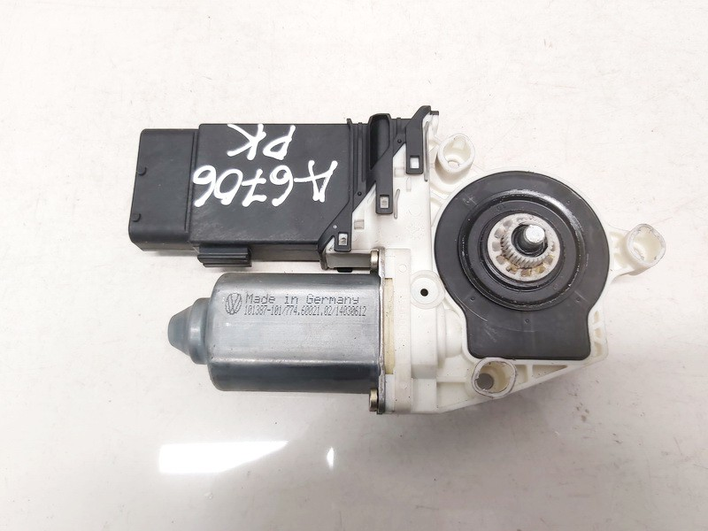 Duru lango pakelejo varikliukas P.K. Volkswagen Golf 2000    1.9 1j1959801c