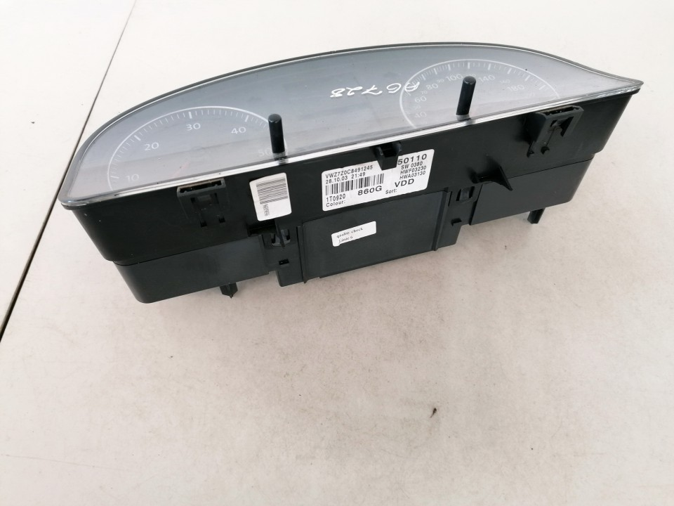 Spidometras - prietaisu skydelis Volkswagen Touran 2003    1.9 a2c53023102oz
