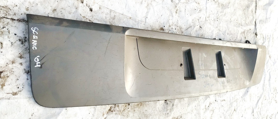 Galinio dangcio isorine apdaila (numerio apsvietimas) Renault Scenic 2004    0.0 8200139781