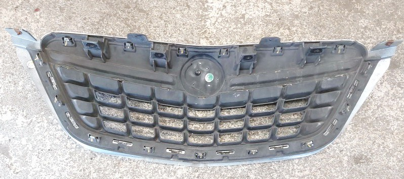 Front hood grille Opel Mokka 2014    1.7 95391786