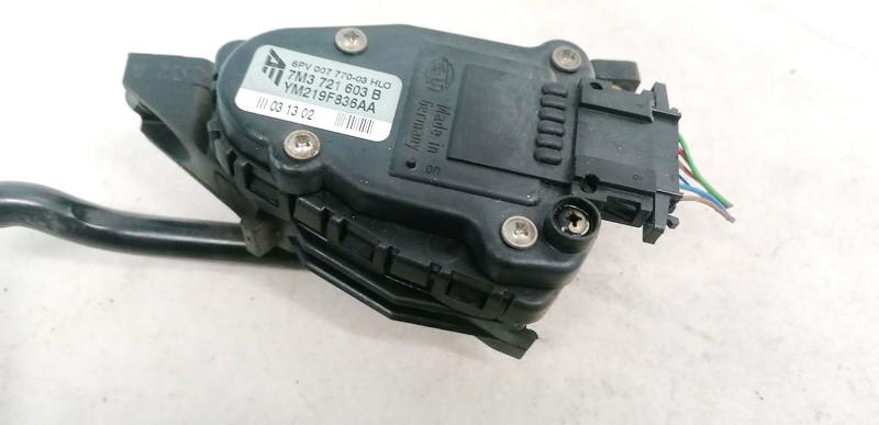 Elektrinis greicio pedalas Volkswagen Sharan 2002    1.9 7M3721603B