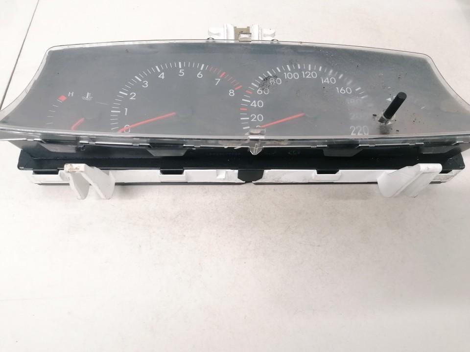 Spidometras - prietaisu skydelis Toyota Corolla 2004    1.6 88311338