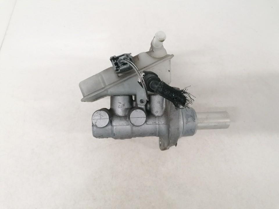 Pagrindinis stabdziu cilindras Mazda 5 2006    2.0 used