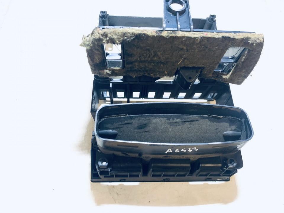 Salono oro groteles Audi 80 1990    1.9 893857183